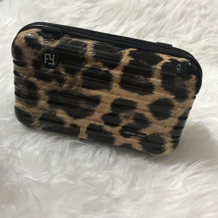 Tas selempang Koper leopard forever young