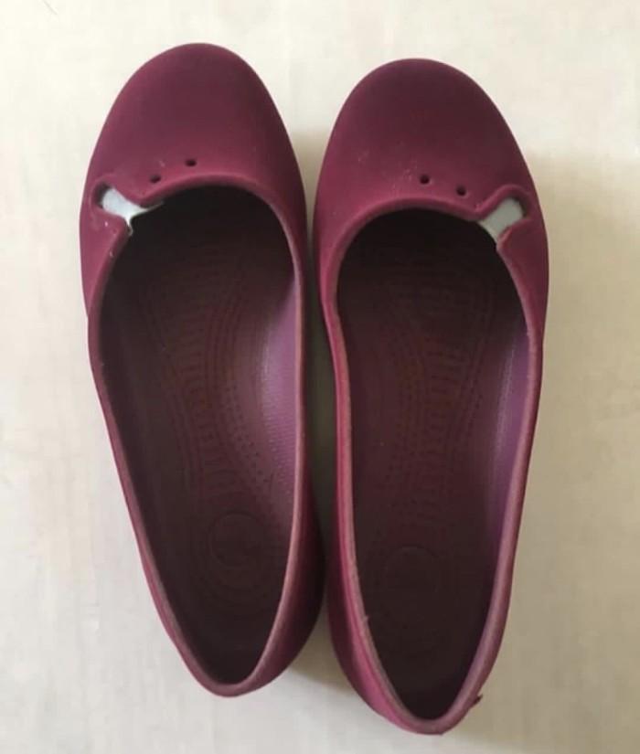 Preloved Sepatu Sandal Crocs KW Super
