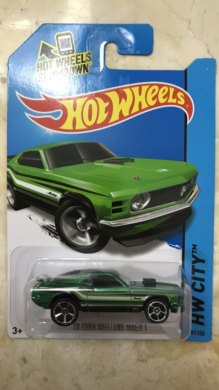 Hot wheels ford mustang mach 1