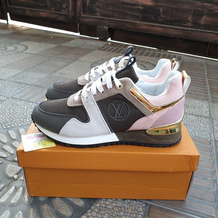 c3242fc5d24 Jual Louis Vuitton Run Away Sneakers Women Premium Original / sepatu -  Jakarta Selatan - Claressa cloth | Tokopedia