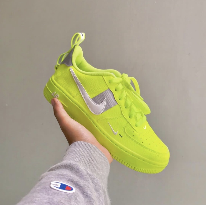 Nike Air Force 1 LV8 'Neon Yellow' | CT2541 700