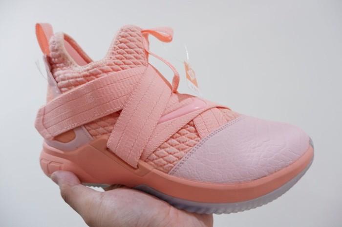 finest selection 45b0c 014e6 Jual Nike Lebron Soldier 12 High Soft Pink 1 - Kota Batam - RR7 Shop |  Tokopedia