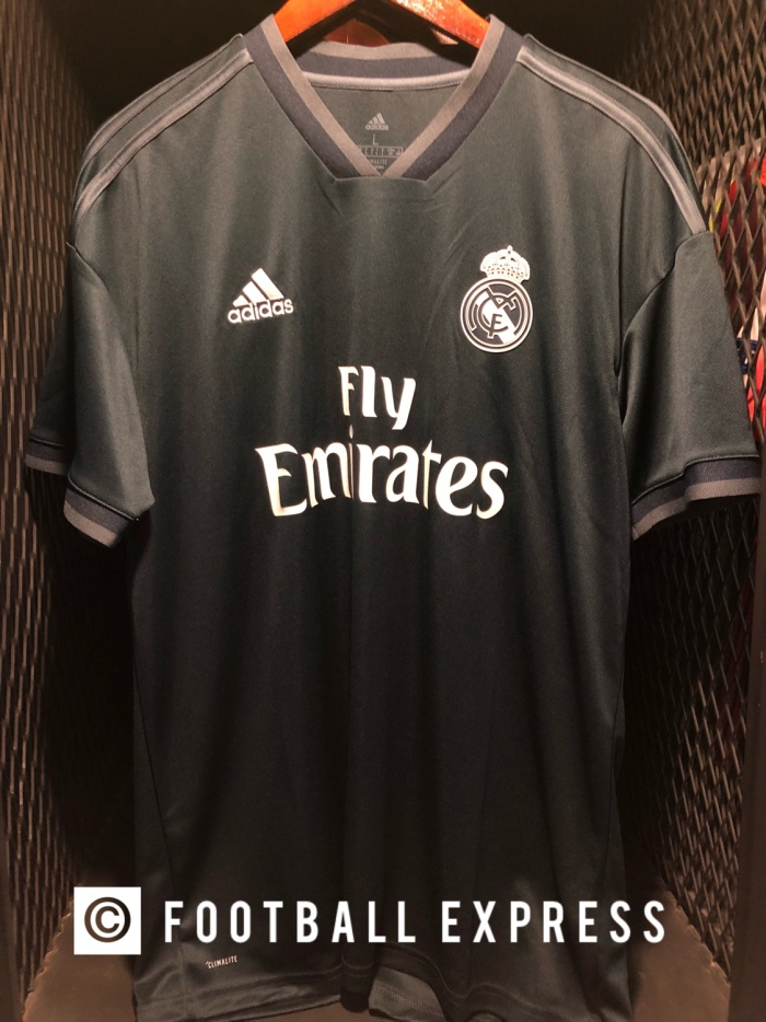official photos 24186 ba454 Jual Jersey Original Real Madrid Away Season 2018-19 - Jakarta Utara -  football express | Tokopedia