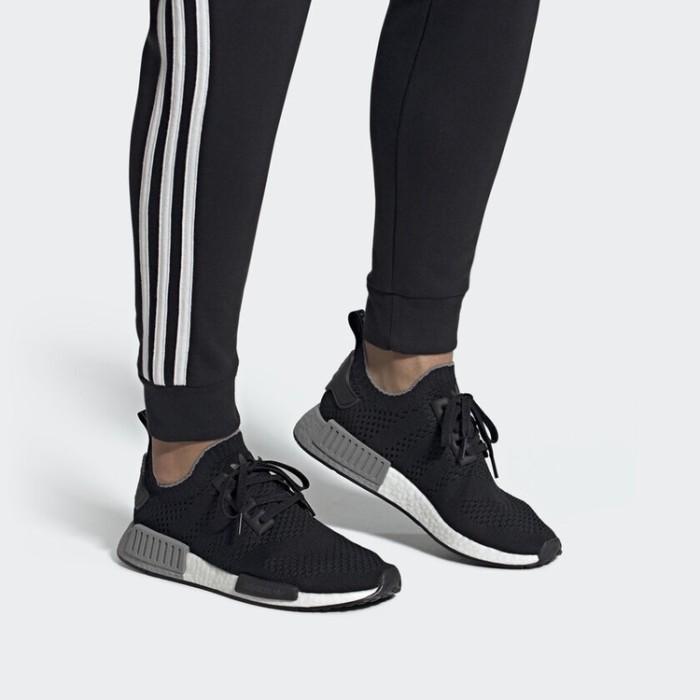 buy popular 81368 95b9b Jual Adidas NMD R1 Primeknit Core Black Grey Three Two Tone Boost Original  - Kota Tangerang Selatan - ranz_sneakershop | Tokopedia