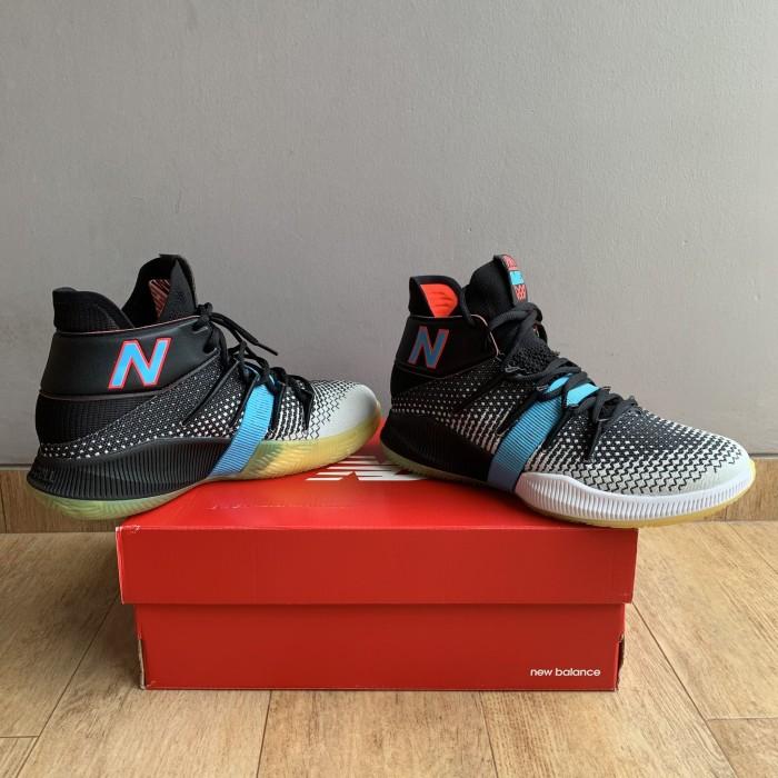 harga sepatu basket new balance