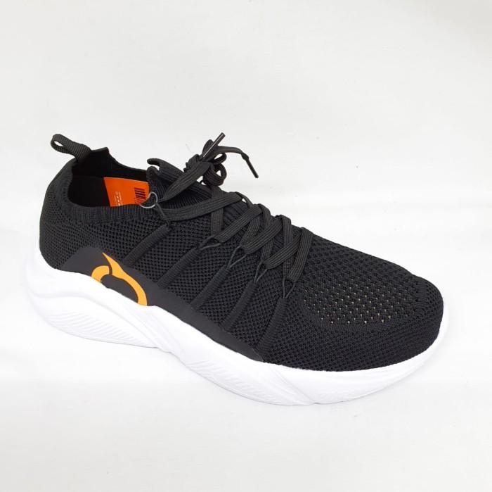 Foto Produk Sepatu running Ortuseight original Invaders black white new 2020 dari Kicosport