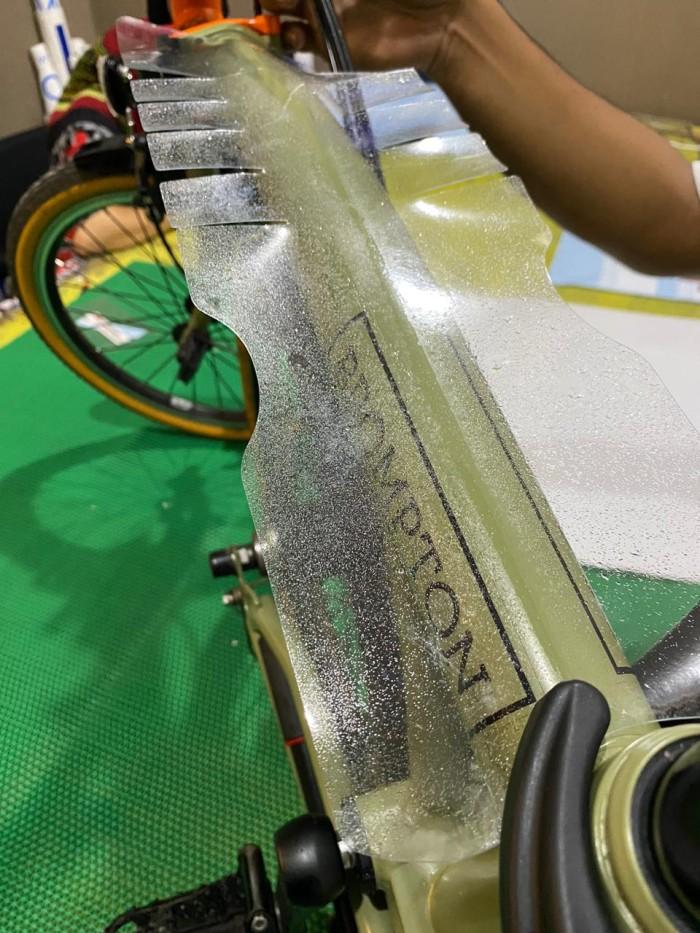 Foto Produk Sticker pelindung sepeda brompton dari LabelMe