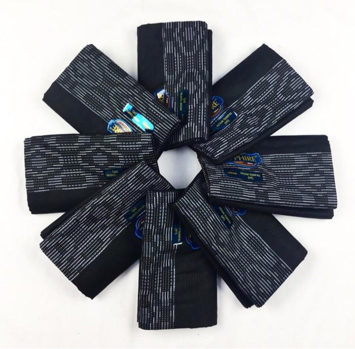 Foto Produk Sarung Sapphire   *per 1 buah*   Polos Hitam Tumpal ( HT ) dari Raja Kita