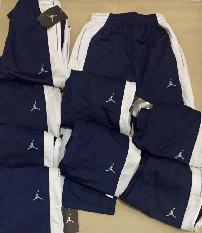Foto Produk Celana panjang Air jordan navy strip putih - 3-4 tahun dari au'let