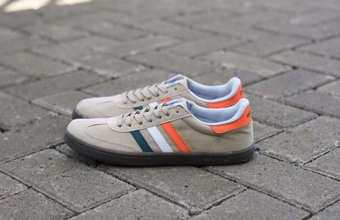 Sepatu adidas spezial cream premium