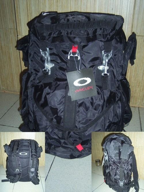 Foto Produk Oakley Computer Laptop Backpack dari Nickoez_shop