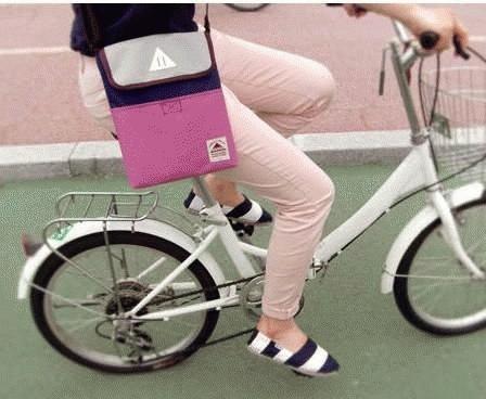 Foto Produk Tas untuk Ipad (Ipad Bag) dari Clover Beauty