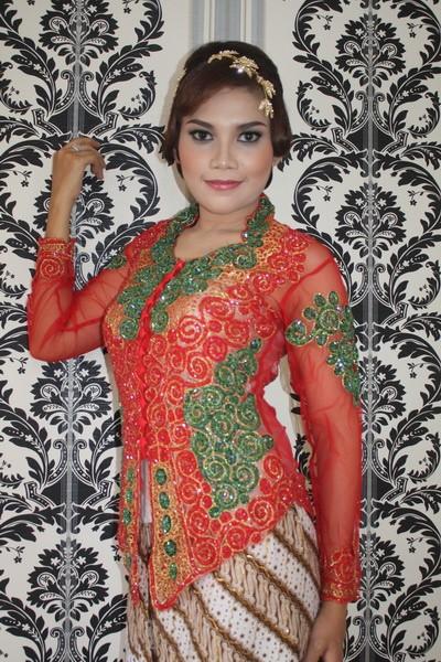 Jual Kebaya Pengantin Modern Model Kebaya Pendek Kebaya Terbaru Pd055 Kota Surakarta Solokebaya Net Tokopedia
