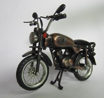 harga Miniatur motor honda cb klasik era 80'an antik unik artistik berbahan dari besi cor tembaga dan kuningan Tokopedia.com