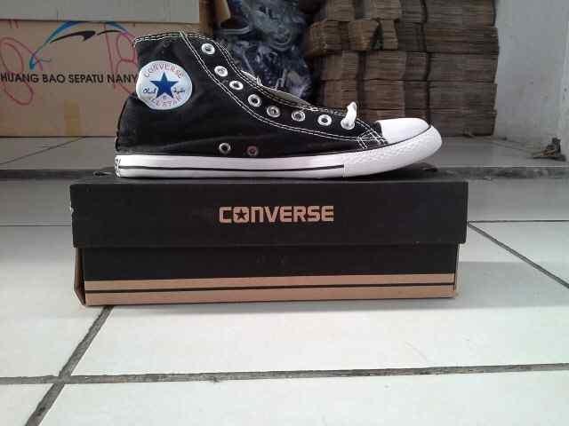 Jual Sepatu Converse Hitam Putih Panjang - Usaha Dagang  1e676b6dc1
