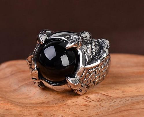 harga Cincin pria cakar naga onyx claw dragon black titanium stainless steel ring Tokopedia.com