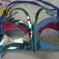 Topeng pesta kupu biru