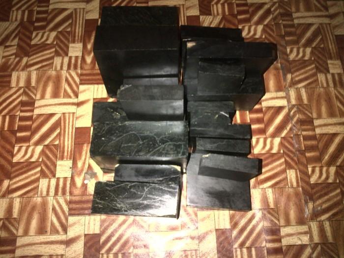 Foto Produk Bongkahan 1/2kg Batu black jade asal aceh dari elly online