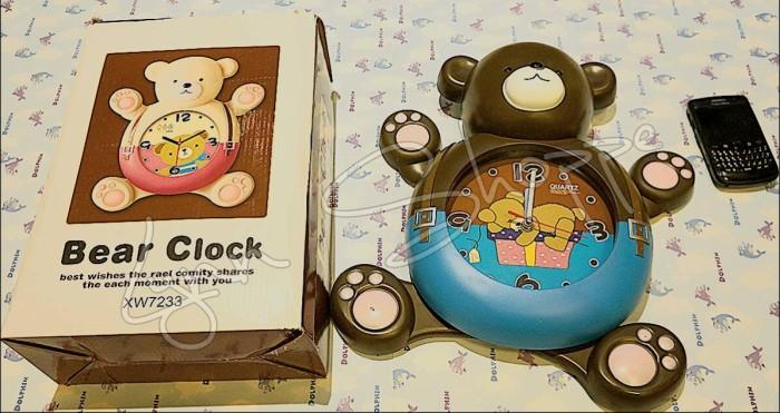 Jual jam dinding happy bear dengan kaki dan tangan bergerak gerak ... 49f67180a3