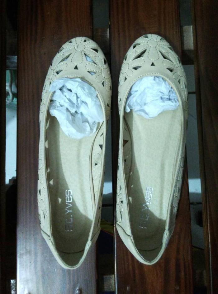 Jual Sepatu (Flat Shoes). Merek St Yves f09bea6036