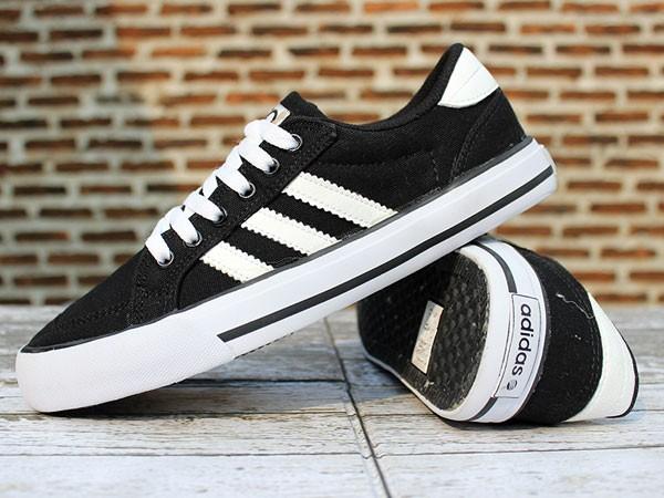Jual Sepatu Adidas Neo Hitam Strip Putih (Casual Kets Nike santai sekolah)  - Mini Market Bola  1c0fb317f6