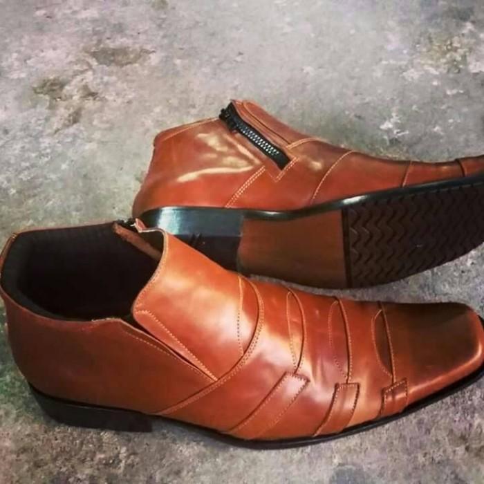Jual Sepatu Kulit Asli Boot Kickers KC34 0b2969d162
