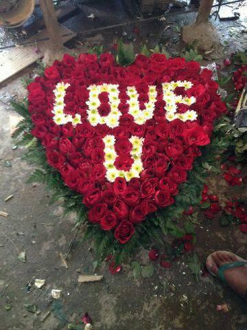 Jual Bunga Bentuk Love Jakarta Selatan Ghunflorist Decoration Tokopedia