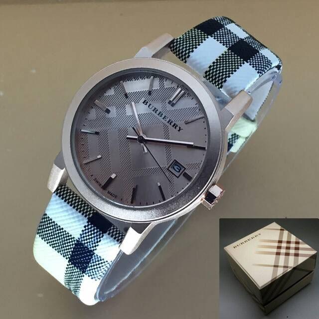 Jual Jam tangan   BURBERRY ORIGINAL   BURBERRY BATIK 1 - Syakira ... 1634a45493