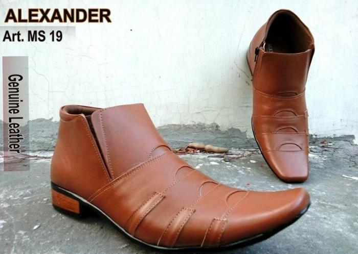 Jual Sepatu Kerja Kantor Formal Kulit Asli Pria Semi Boot Coklat ... 04e6b8afe5