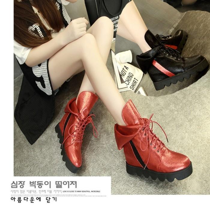 harga Sepatu flat form boot wanita korea merah hitam import Tokopedia.com