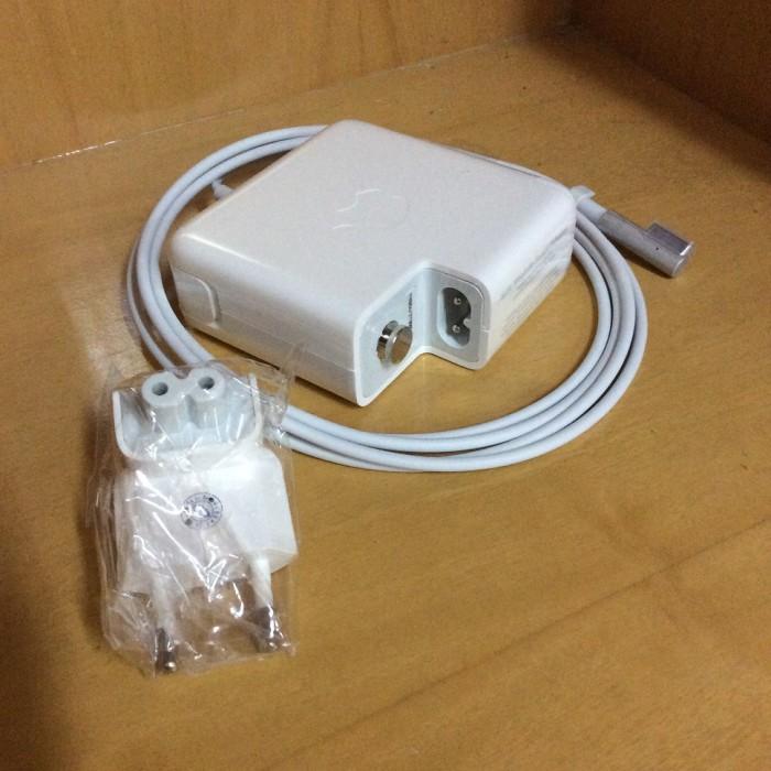 Adaptor / charger magsafe apple macbook 1 85w / 85 watt bawah