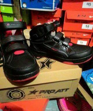harga Sepatu boot/sepatu sekolah/sepatu import/sepatu anak Tokopedia.com