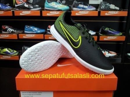 Jual Sepatu Futsal Nike Magistax Finale Black Volt 807568 007