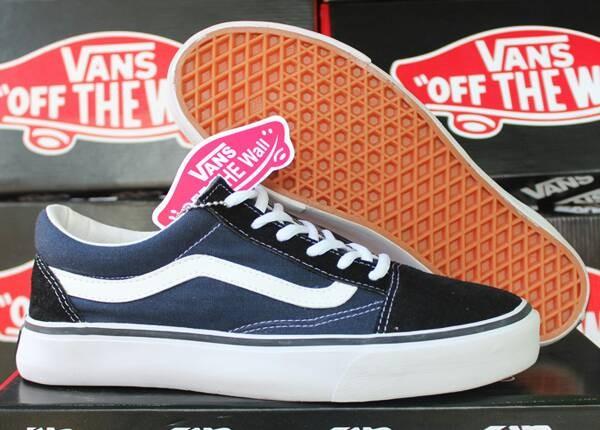 Sepatu Vans Old Skool Navy Hitam (DC/Casual/Macbeth/Kets/Nike/Adidas)