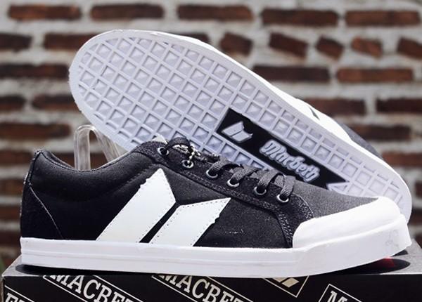 Jual Sepatu Macbeth Hitam Putih (DC Casual Macbeth Kets Nike Adidas ... f915bdc763