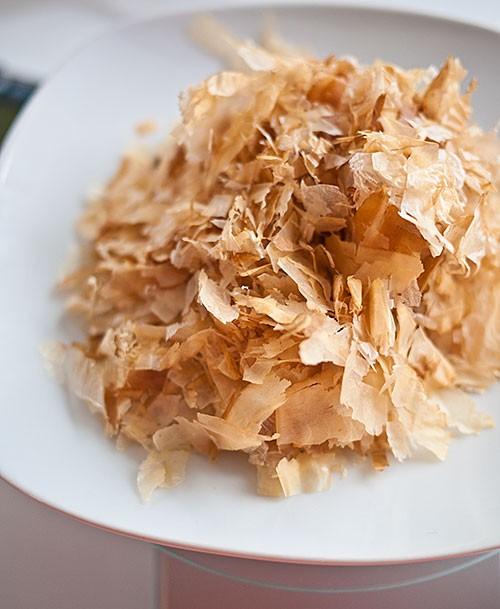 harga Katsuobushi - ikan cakalang asap khas jepang- taburan takoyaki Tokopedia.com