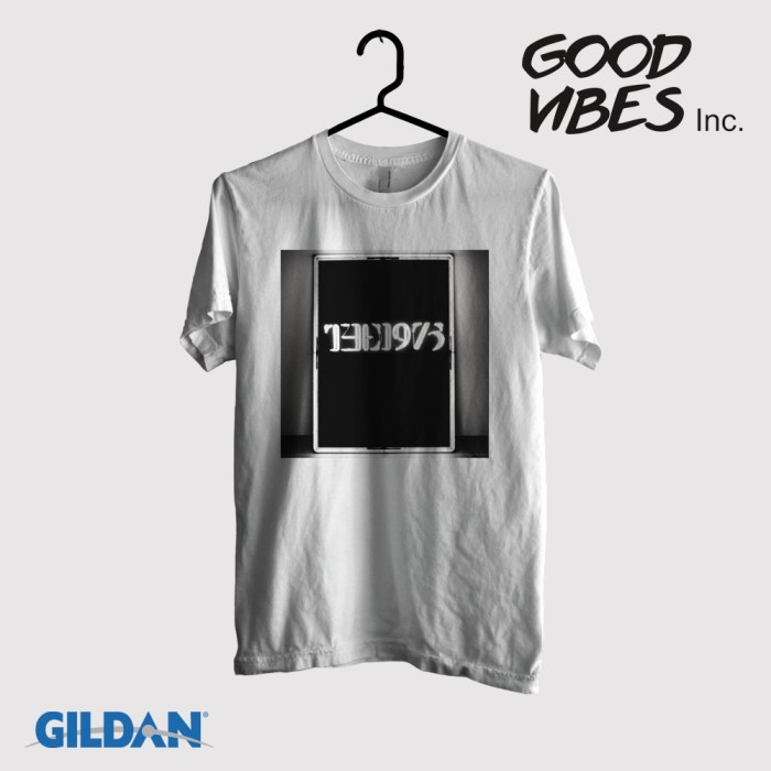 harga Kaos band the 1975 original gildan - the 1975 white Tokopedia.com