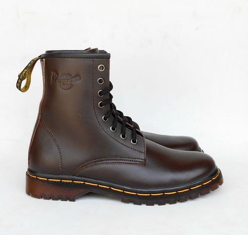 harga Sepatu boots docmart dr martens pria wanita 8 lubang / hole - kulit Tokopedia.