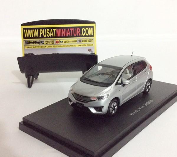 harga Honda fit / jazz hybrid - skala 1:43 - ebbro (diecast-miniatur) Tokopedia.com