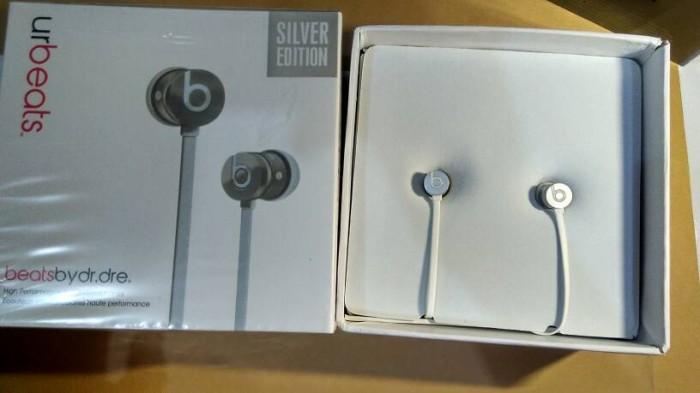 harga Headset earphone beats urbeats silver special edition Tokopedia.com