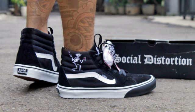 Jual Sepatu Murah Vans Sk8 Hi Social Distrotion Waffle ICC Original ... 9f2c6b5abe