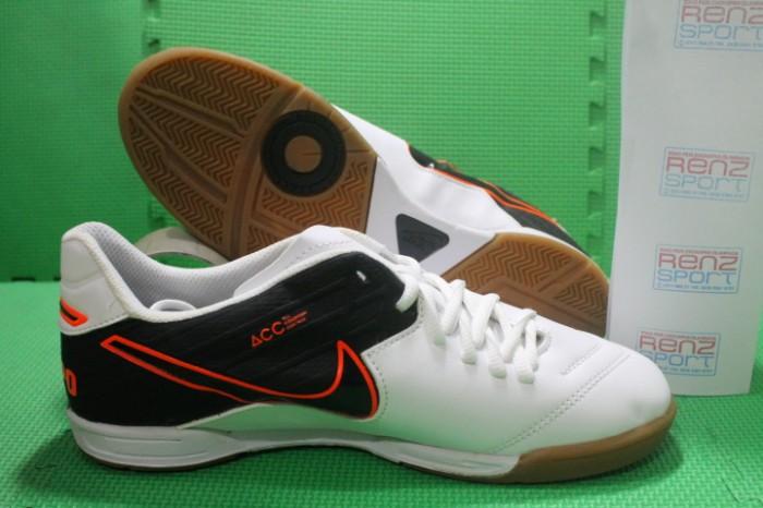 6a09b3271 ... discount sepatu futsal nike tiempo legend vi ic white black 0e64b 948af