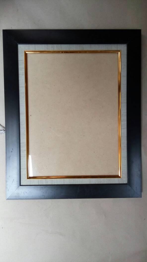 Frame 17r(30x40cm)