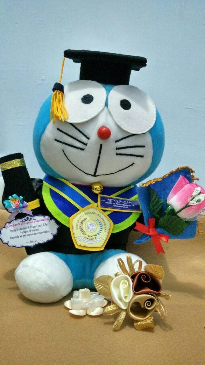 harga Boneka wisuda doraemon universitas persada indonesia + bucket bunga Tokopedia.com