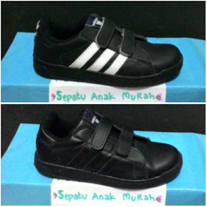 Jual sepatu sekolah adidas warna hitam cek harga di PriceArea.com 15824699e6