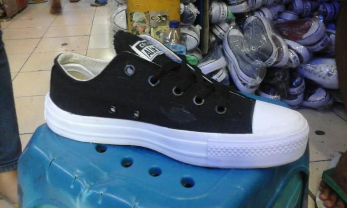 Jual sepatu converse allstar hitam putih polos low murah + box ... a7d2afc485