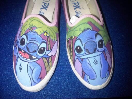 Sepatu lukis stitch ...