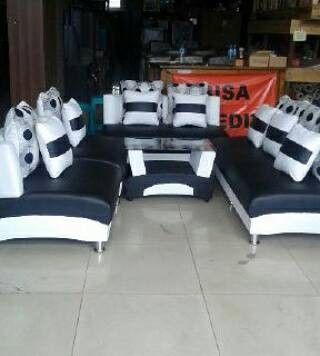 Jual Sofa Hitam Putih 3211 Kota Bandung Zahrafurniture Tokopedia