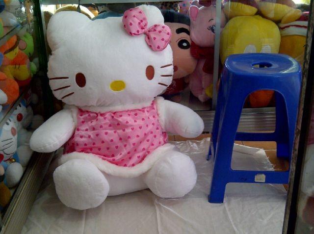 Jual Boneka Hello Kitty Jumbo Winter - Pinkyshop  e9bc5a4b1b