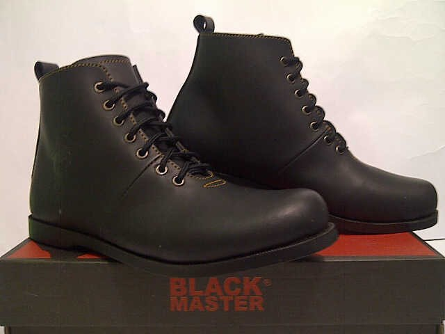 harga Sepatu casual pria / black master / brodo Tokopedia.com